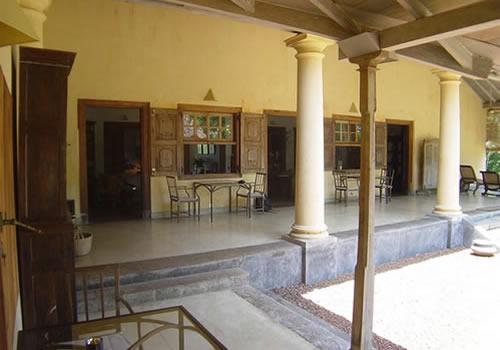 Sri lankan homes designs joy studio design gallery for Window design photos sri lanka