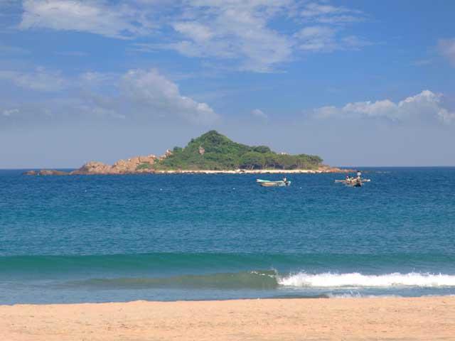 Pigeon Island Beach Resort Pigeon Island Nilaveli Trincomalee Sri Lanka Sri Lanka Hotel Guide