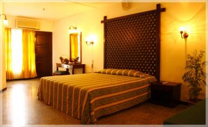 Palm Beach Hotel, Sri Lanka Holidays