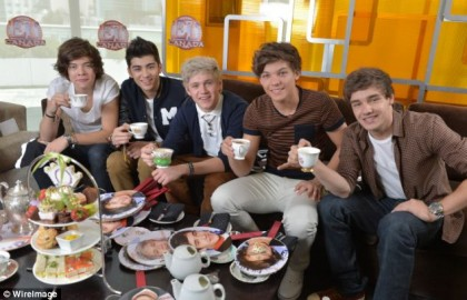 One Direction having Ceylon Tea in Toronto, 2012